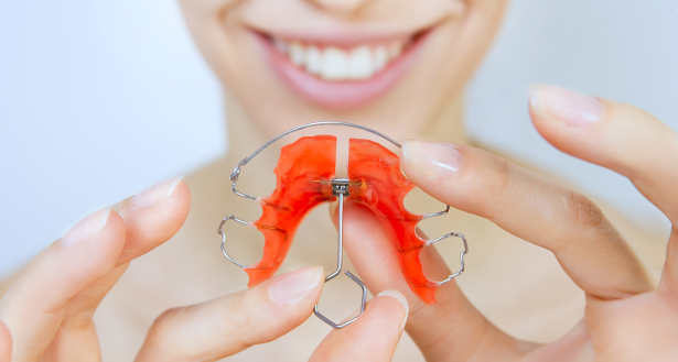 At Orthosmile Orthodontics we offer orthodontic treatment for patients with relapse.